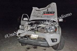 Destroza su camioneta tras chocar con una vaca en la Alazán – Canoas | LVDT