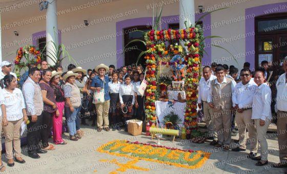 Inicia Xantolo en Chicontepec con la demostración de arcos y ofrendas | LVDT
