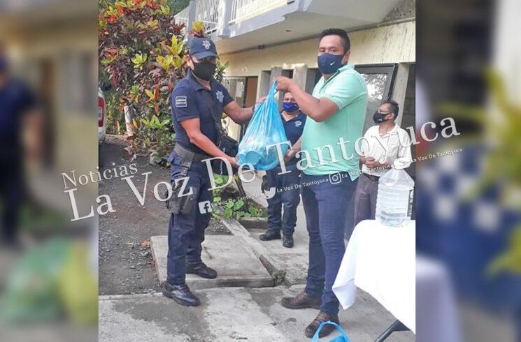 Policías de Ixcatepec reciben apoyos alimenticios por pandemia   LVDT