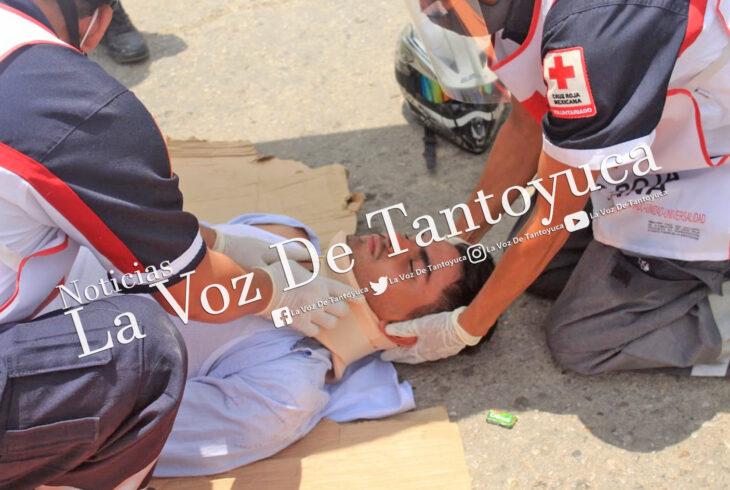 Motociclista resulta lesionado tras impactarse contra taxi | LVDT