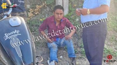 Motociclista resulta lesionado tras chocar contra taxi | LVDT
