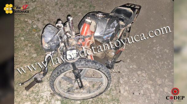 Ebrios motociclistas chocan y huyen; traían droga   LVDT