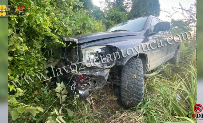 Localizan abandonada camioneta que participó en accidente en Tantoyuca | LVDT