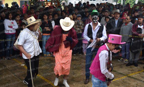 Encabeza David Guzmán demostración de arcos y ofrendas | LVDT