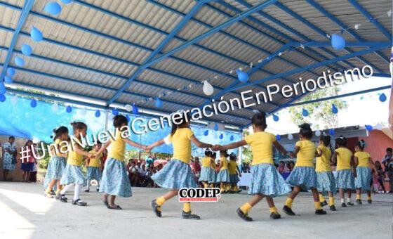 Beneficia Ayuntamiento a preescolar indígena con techado cívico con captadores de agua en la Pitahaya | LVDT