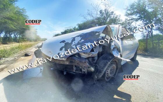 Chevy termina destrozado tras aparatoso accidente, en Tantoyuca | LVDT
