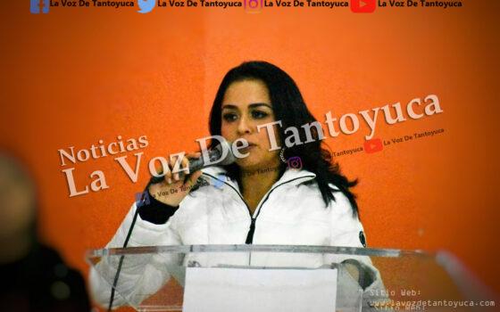 Alcaldesa engaña a lugareños y les entrega obra inservible   LVDT