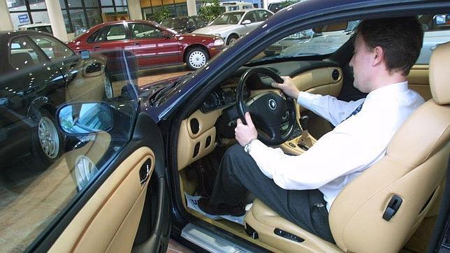 La venta de coches empieza a rodar