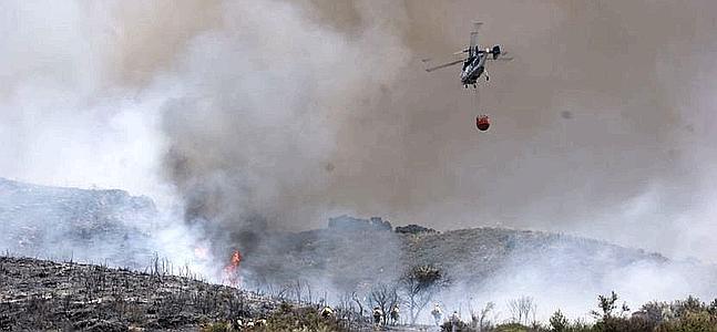 Un fuego quema 75 hectáreas del Parque Natural de Grazalema