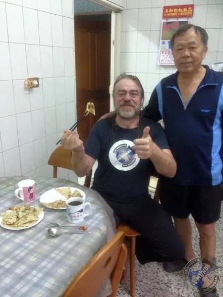 Con Lǐ Xūn Táng durante el desayuno