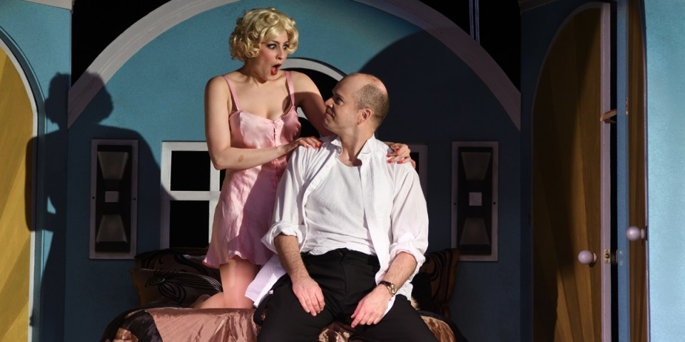 Kristen Wetherington and Christopher Swan in Victor/Victoria at Ocean State Theatre