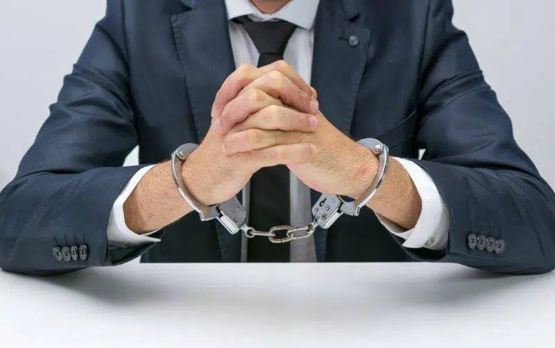 To analyse the criminology of white collar crimes