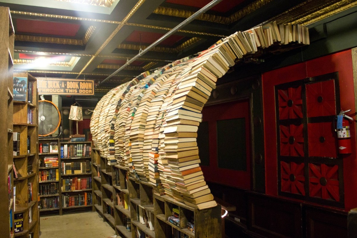 One of many book-inspired design features at the Last Bookstore; Credit: Rach/Flickr