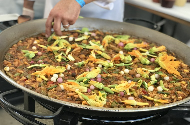 Vegetable paella from Bazaar by Jose Andrés; Credit: Michele Stueven