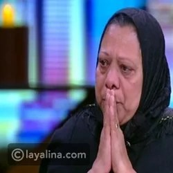 Ahmed Zaki's sister falls apart crying on the air after selling his belongings and what she said is painful