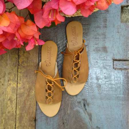 Lace up slides in Tan