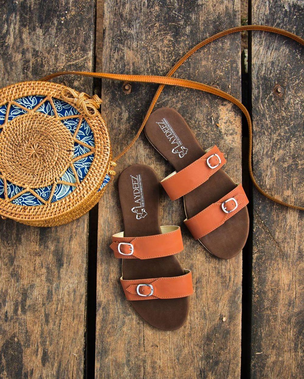 Laydeez Double Buckle Sandals in Brown
