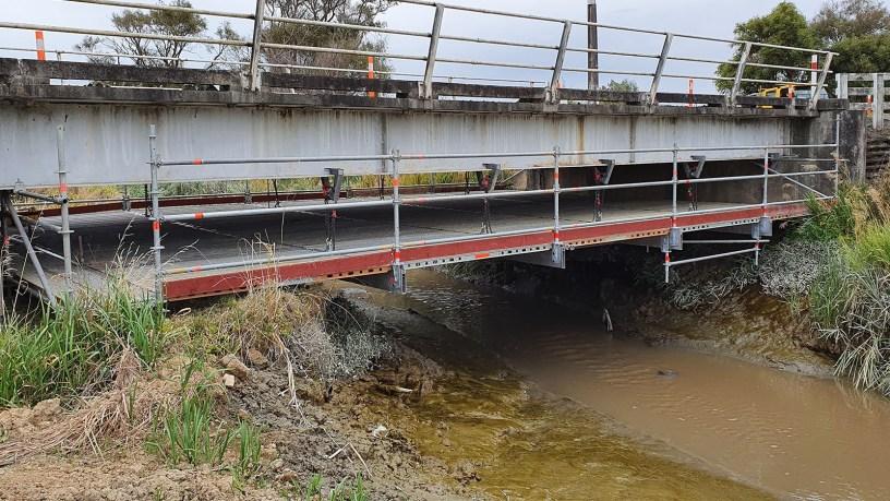No trip hazard on suspended under bridge scaffold by Master Scaffolding