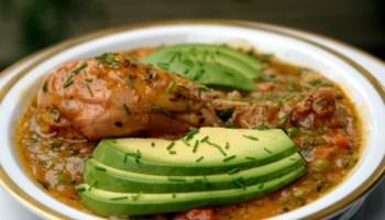Basic recipe for ecuadorian or latin style cooked white rice ecuadorian chicken rice soup aguado de gallina forumfinder Choice Image