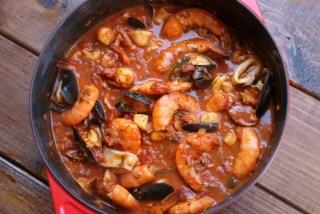 Cocine hasta que todo el marisco esté completamente cocido
