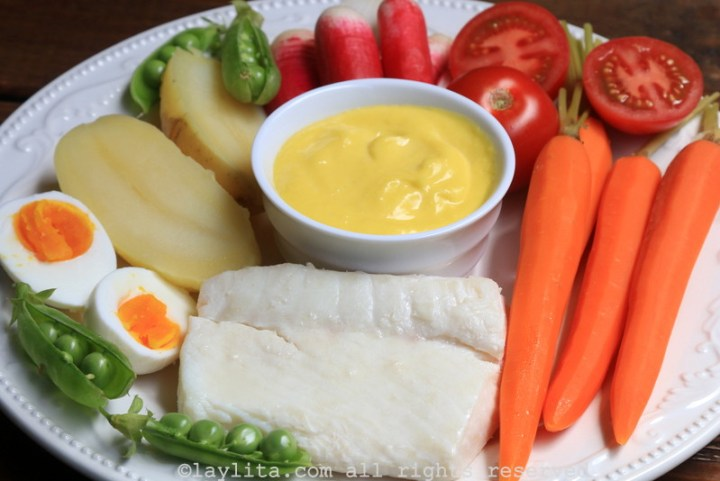 Aioli with fish and vegetables