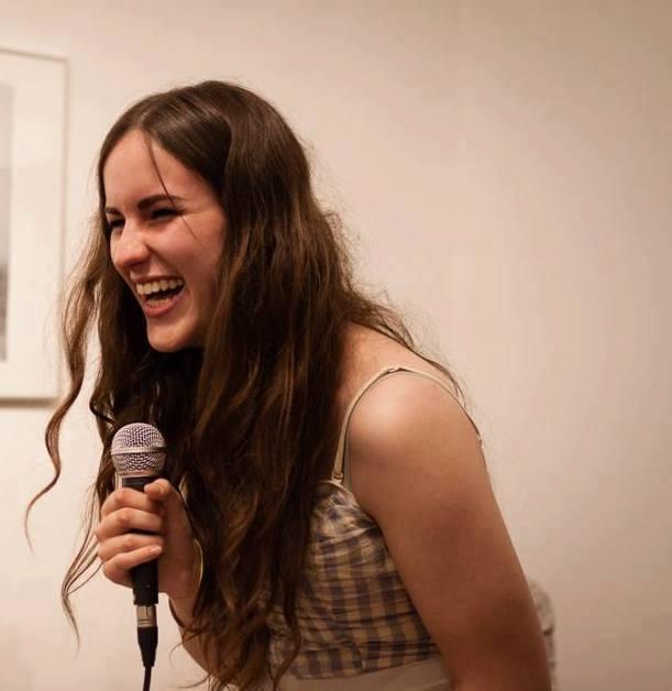 Poesia, multimedia, performance: due parole con Eugenia Galli
