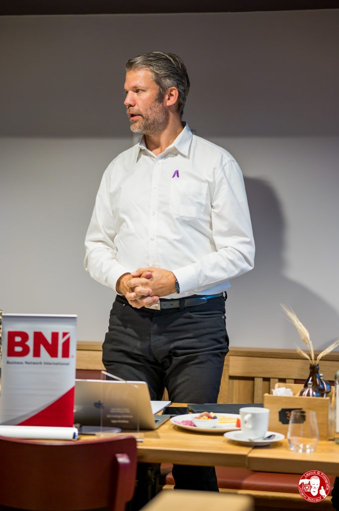 Markus Wittmann, Leaders Academy und Chapter-Direktor Björn Otte, Zimmermann im BNI-Chapter Trollinger Heilbronn