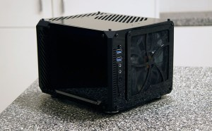 LZ7 - 7 Litre SFF PC Gaming Case