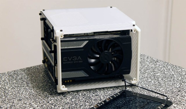 ITX Case tested with GTX 1060 and i7-6700 | Lazer3D