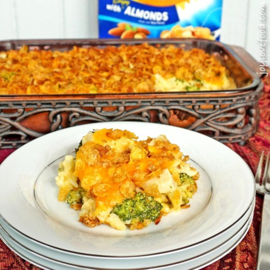 Cheesy-Chicken-Broccoli-and-Rice-Casserole-2-768x768