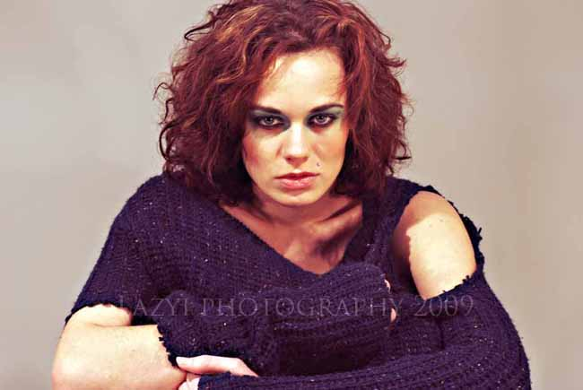 Lazyi-photography-torn-sweater-headshot-agency