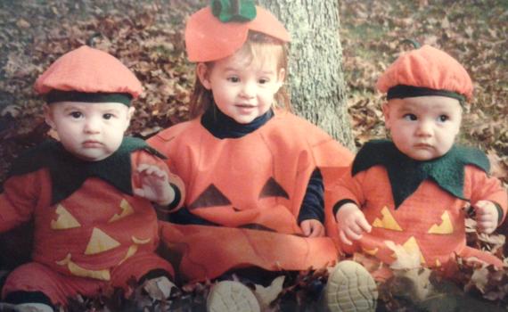 pumpkin_costume_twins
