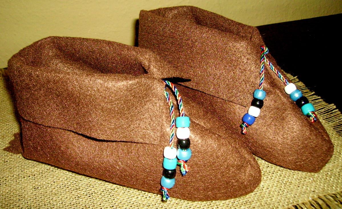 Native American Moccasins | KIDS & GLITTER
