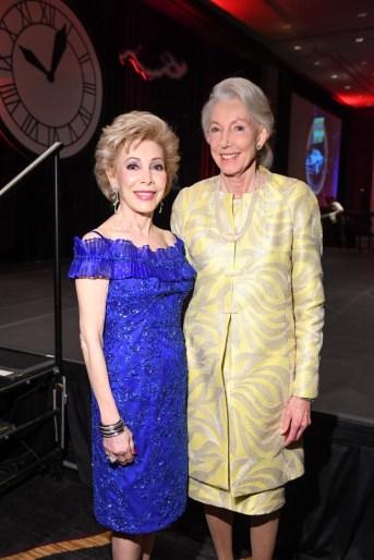Margaret Alkek Williams and Lynda Underwood (Honoree)