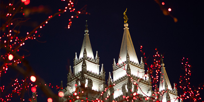 Enjoy the Spirit of Christmas with the Lights at Temple Square
