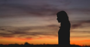 5 Reasons We Worship Our Pain + 5 Ways to Let It Go