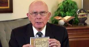 """Elder Dallin H. Oaks' Family Memorizes """"The Living Christ"""""""