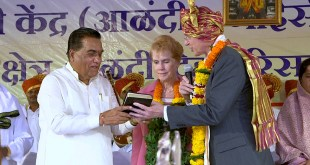 Elder Christofferson Receives World Peace Prize in India