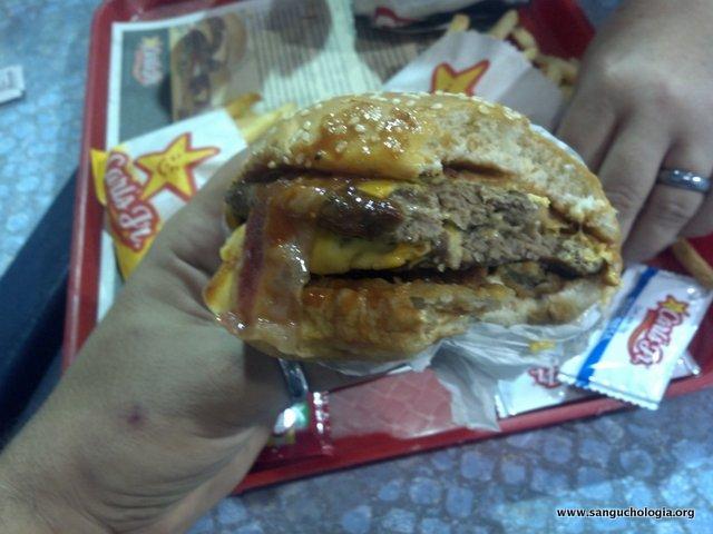 Double Western Bacon Cheeseburger del Carl's Jr. en Ecuador