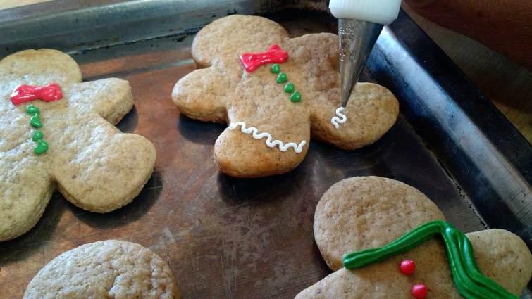 Decorando galletas de jengibre