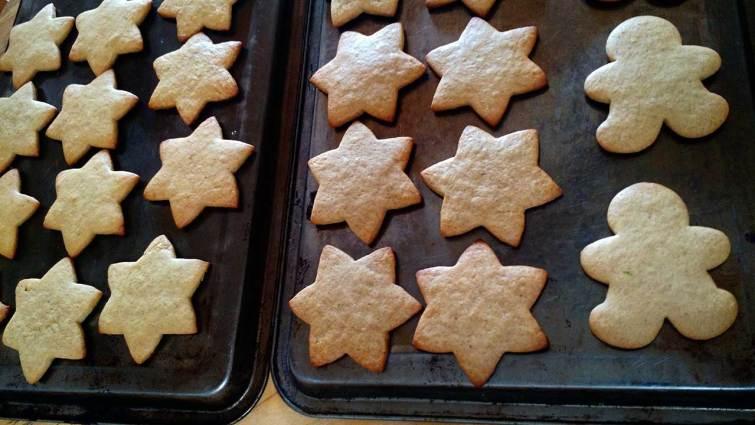 galletas de jengibre enfriándose