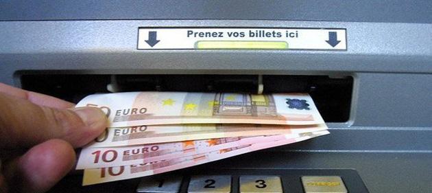 argeles-sur-mer-une-petition-pour-la-reouverture-du-dab-distributeur-automatique-de-billets-du-centre-commercial-costa-blanca