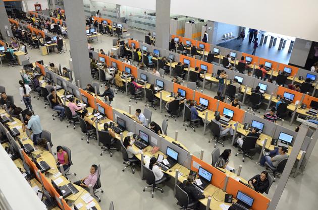 Emergia recrute 500 personnes à Barcelone.  Cette multinationale fondée en 2005 à Barcelone réserve 3 millions d'euros au développement de son site ouvert en 2011 dans le quartier technologique 22@ de la même ville. Emergia, spécialisé dans les relations-clients et la prospection de marchés, externalisées par les grandes entreprises, recrutera 500 salariés dans les mois à venir, en renfort d'un effectif de 350. Cette entreprise employant 3200 personnes en Espagne dispose d'une équipe de 5200 personnes dans le monde, notamment aux Etats-Unis et en Amérique du Sud. Elle vise 15% de croissance en 2014, pour atteindre un chiffre d'affaires de 100 millions d'euros. Le PDG d'Emergia, Albert Ollé, s'attache parallèlement à développer des projets solidaires.