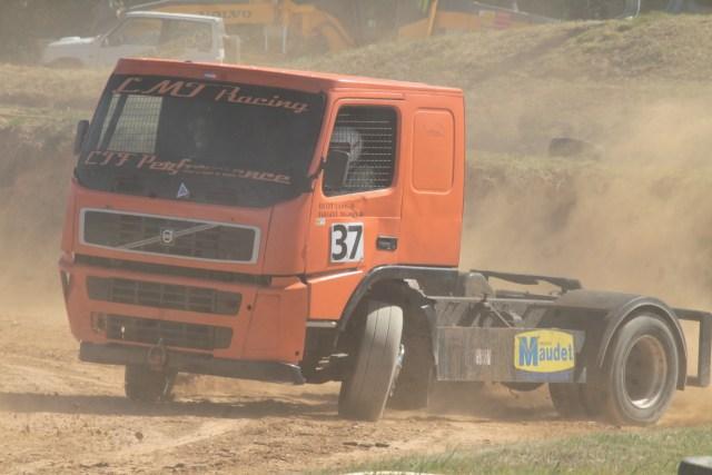 2 CV et camions cross Elne 2016