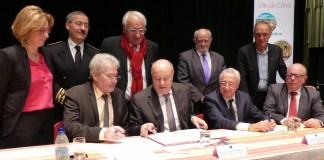 Visite du ministre Jean-Michel Baylet à Céret ce vendredi 9 décembre Le ministre de l'Aménagement du Territoire, de la Ruralité et des Collectivités territoriales et les partenaires institutionnels ont signé le 1er contrat de ruralité.