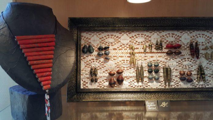 Boutique ExtraOrdinaire » organisée par l'Association « Matière d'Art Autrement créée par Nanou et Grib