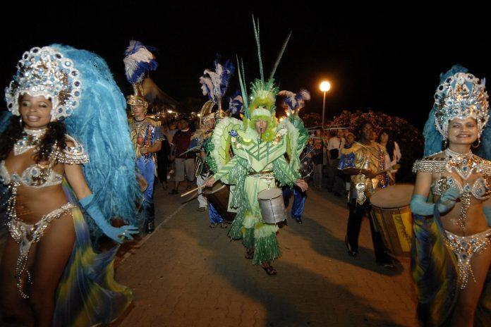 decouvrez-programme-de-ledition-2017-carnaval-dargeles-mer