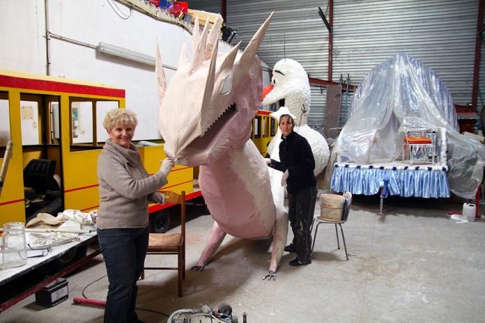 derniers-preparatifs-avant-la-grande-cavalcade-du-carnaval-de-la-ville-du-soler