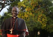 le-cardinal-robert-sarah-presente-la-force-du-silence-le-samedi-6-mai-a-perpignan