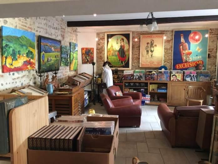un-lieu-insolitehors-du-temps-la-boutique-de-michel-vous-accueille-a-elne